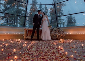 This Couple Eloped In Finland, And The Photos Are Pure Wintry Magic