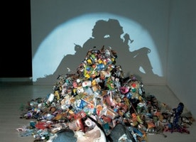 13 Beautiful Shadows Created With Sculptures Made of Trash