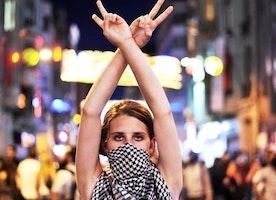 59 Stunning Photos Of Women Protesting Around The World