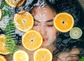 How to Help Vitamin C for Your Glowing Skin?