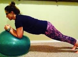 Couple Workout Benefits – Fight Post Delivery Flab with Your Spouse