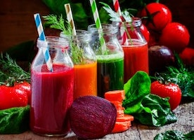 Juice cleanse health benefits, juicing diet recipes to detox your body at home