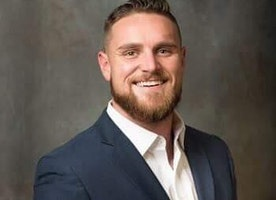 How Brodie Kern Went from a Deadbeat 21 Year Old Addicted to Drugs and Alcohol to Building a 6 Figure Business