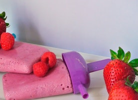 Stay cool with these healthy homemade berry popsicles