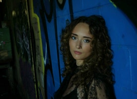"""Latest Single from Alt/Indie-Pop Recording Artist  Vaeda Black """"Suicide Love"""" Out October 10th"""