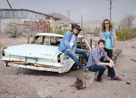 """Honey River Bring """"Peace, Love"""" to the Airwaves Ahead of Latest Album release"""