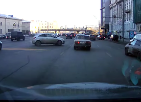 This Russian Driver Accidentally Parallel Parks Their Car Perfectly