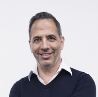 Mogul Interviews: Famed Chef and Restaurateur Yotam Ottolenghi. Learn Easy Recipes from Yotam's New Cookbook, SIMPLE, and More!