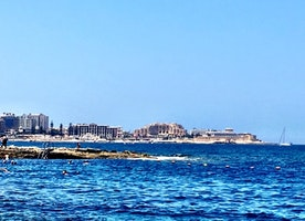 STYLE CHARMER: Fun Travel Guide to Malta in the Summer