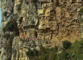 25 Of The Most Dangerous And Unusual Journeys To School In The World