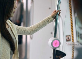 Korea has a clever way to make sure pregnant women get seats on the subway