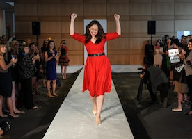 This Quadruple Amputee Walked Down The Runway At NY Fashion Week, and It Was Stunning.