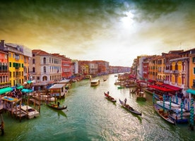 Why hapless tourists are driving Venetians mad (and blaming Google)