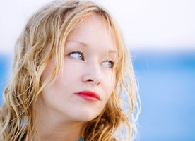 How To Wear Red Lipstick In The Summer - Style On The Side