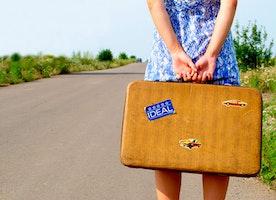 Travelling Women & Makeup