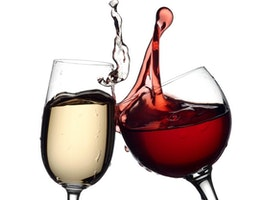 LIFEHACK #1 Use White Wine to Neutralize Red Wine Stains