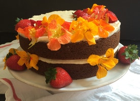 Kitchen Tips Tuesday: Naked Cakes