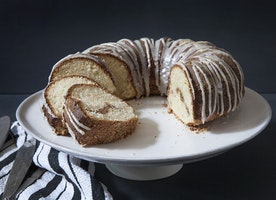 Kitchen Tips Tuesday: Greasing and Flouring a Bundt Pan