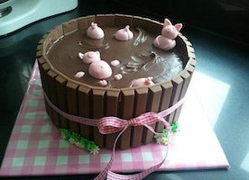 20 Cakes That Are So Awesome, You Kinda Don't Want To Eat Them