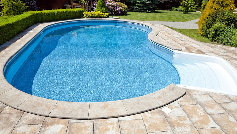 Reasons to Use a Swimming Pool Service Company