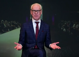 "Tim Gunn boldly calls out the fashion industry: ""Women of all sizes can look great. It's time to step up to the plate."""