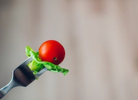 How to Eat Your Salad: 10 Things You Need to Know About Healthy Salad Dressing