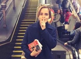 Harry Potter star Emma Watson leaves books on London Underground - BBC News