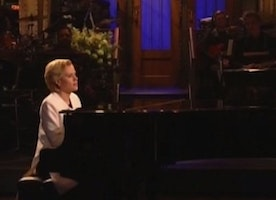 WATCH: SNL's Kate McKinnon as Hillary Clinton sings heartachingly beautiful rendition of Leonard Cohen's 'Hallelujah'
