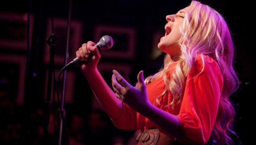 Salons For Change Concert at 8pm ET TONIGHT!! Starring Glee's And Broadway's Ali Stroker