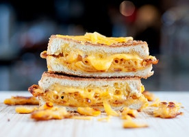 11/17-11/25 Grilled Mac n' Cheese Sandwich Delivery