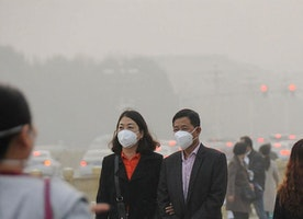 Smog-hit China cities offered 'bottled fresh air' from NZ, Canada for $30-plus