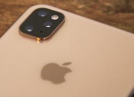iPhone XI will get triple camera