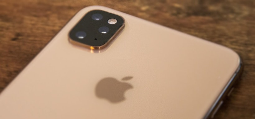 iPhone XI will get triple camera