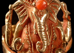 Coral-Crested Ganesha Ring