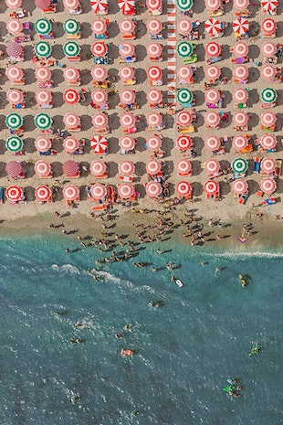 STUNNING AERIAL SHOTS OF A CROWDED BEACH IN ITALY