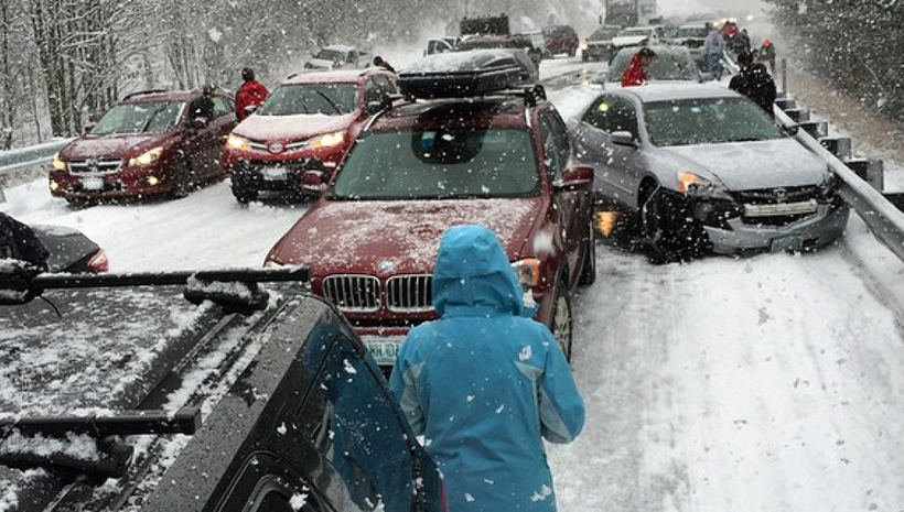 20 vehicle pileup on snowy roads brings traffic on Connecticut interstate to a halt