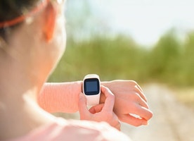 Market Leader in Wearables: Android or iOS? - CrowdReviews.com Blog