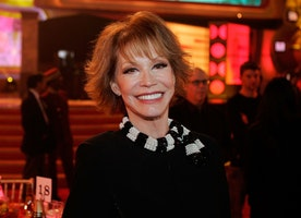 Mary Tyler Moore dies at 80