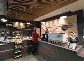 Refugees serve up coffee in new Berkeley café   The Daily Californian