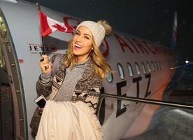 #HotPicOfTheDay: Kaitlyn Bristowe's Adventurous Weekend In Canada