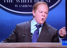 Watch Melissa McCarthy Hilariously Impersonate the White House Press Secretary on SNL