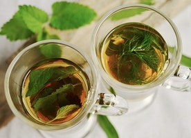 10 Healthy Benefits of Green Tea and It's Nutritional Value