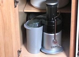 Breville BJE200XL Compact Juice Fountain 700-Watt Juice Extractor Review - Kitchen Tool Expert