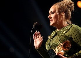 Adele Honored Bey In A Beautiful, Touching Way