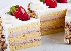 Elegance, grandeur, style, cake!