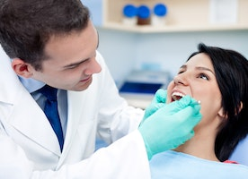 4 Common FAQ's Concerning DentalImplants That You Must Know.