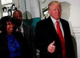 Trump condemns 'horrible' anti-Semitism - BBC News