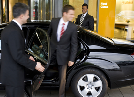 "7 good reasons to ""why you should hire an airport taxi service?"""