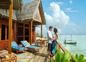 Three honeymoon resorts which can hypnotize you