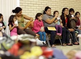 Federal appeals court reinstates Texas' immigrant 'harboring' law